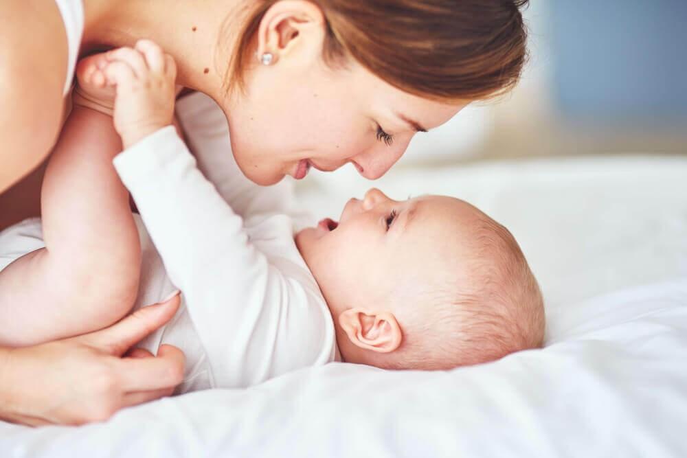 Consejos: Cómo lavar la ropa de bebé  con piel atópica